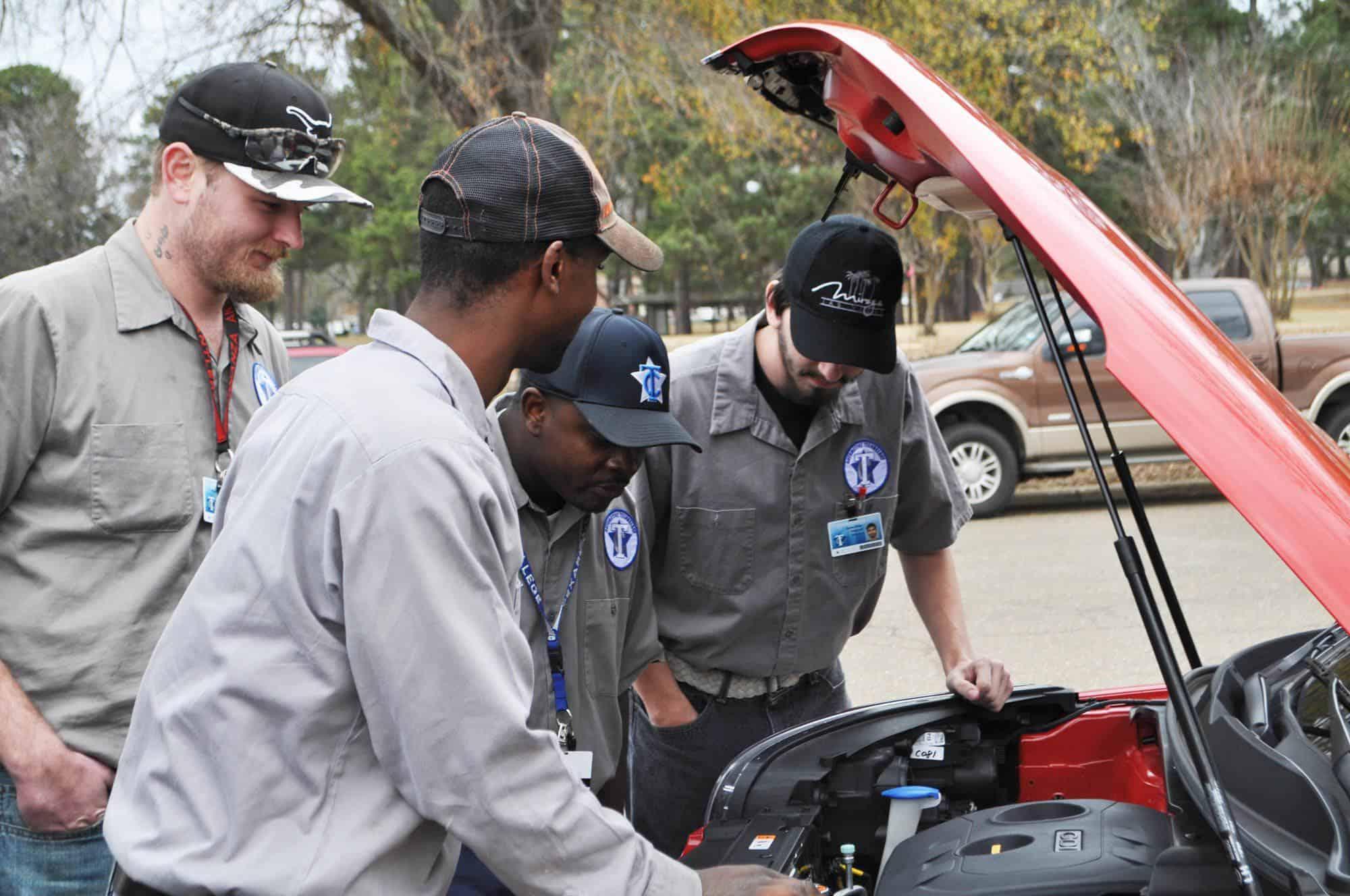 Gregg Orr Auto gifts Kia cars to Texarkana College