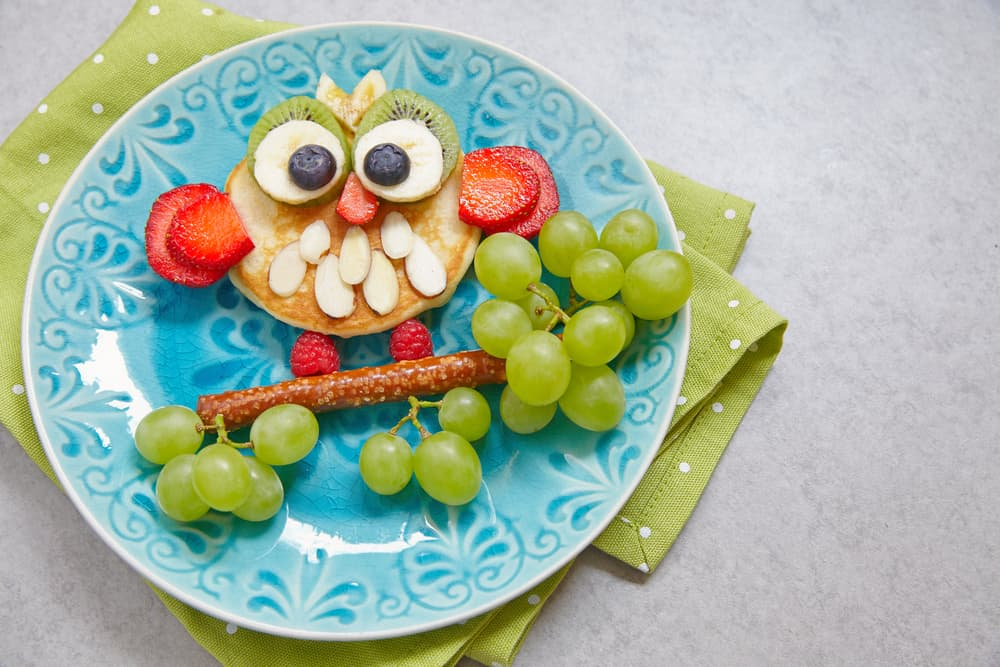 owl made from pancakes and fruit